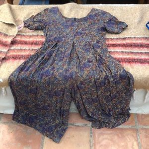 90s Vintage paisley- romper- floral with pockets